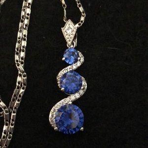 Jewelry - NWOT 18k WHITE GOLD SWIRL TOPAZ ZIRCON PENDANT